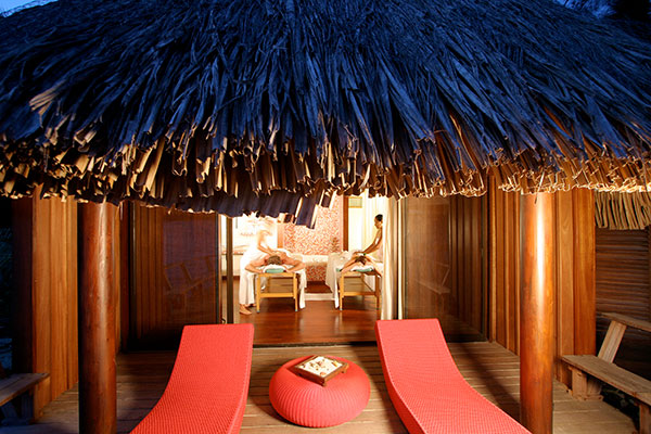 Luxe & Spa in a bungalow in Tahiti