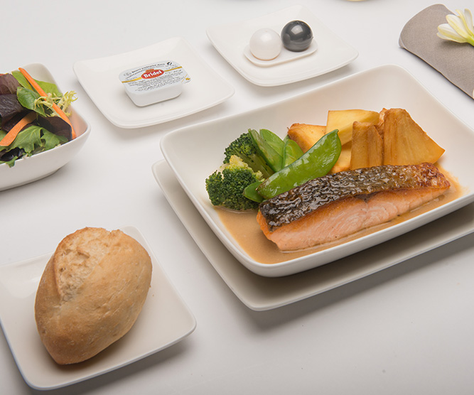 Photo of an Air Tahiti Nui Business Class Meal
