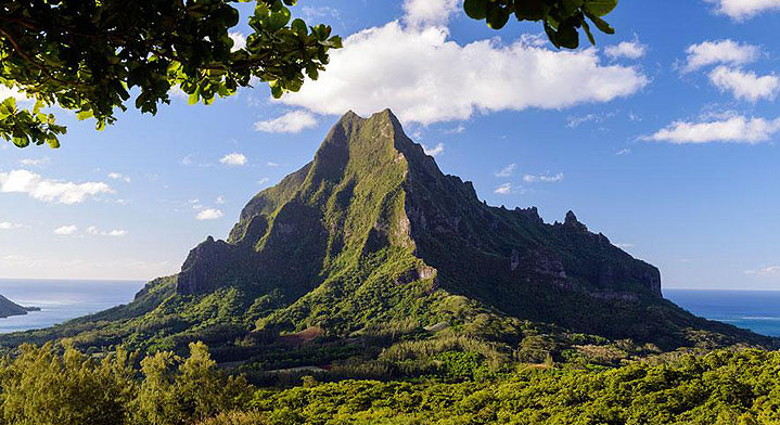 view of the highest mountain in moorea with beautiful bleu sky