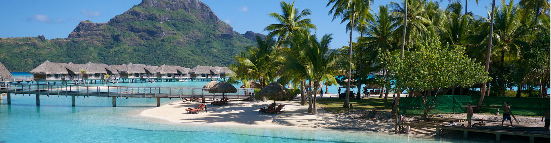overwater bungallow in the hotel intercontinental Bora Bora Thalasso and spa