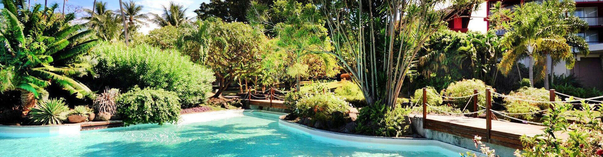 Photo of the merdien tahiti hotel with the swimming pool