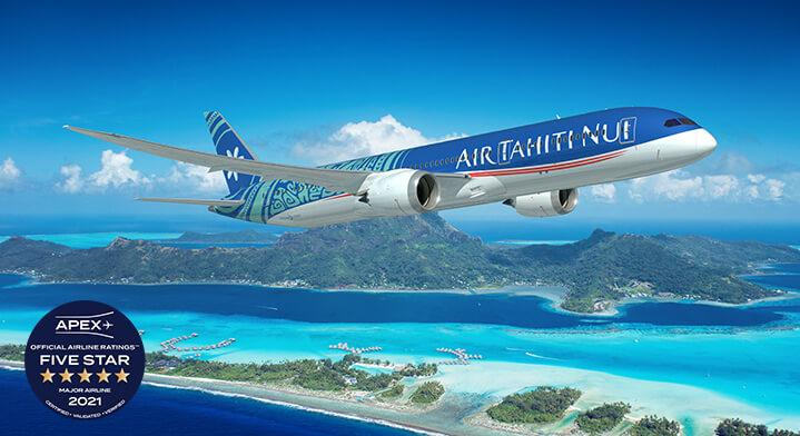 air tahiti nui en plein vol avec bora bora en arrière plan et logo apex five star 2021 major airline ratings