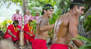 Meet the welcoming locals of the Austral Islands | Photo credit: Tahiti Tourisme