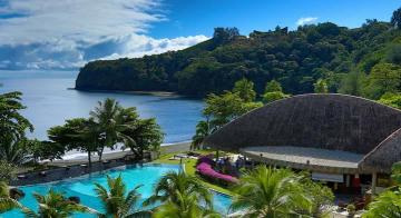 Pool and mountain view of Tahiti Pearl Beach Resort
