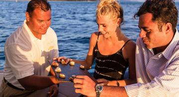 bora bora sunset foodie cruise
