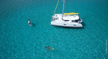 dream yacht charter private cruise