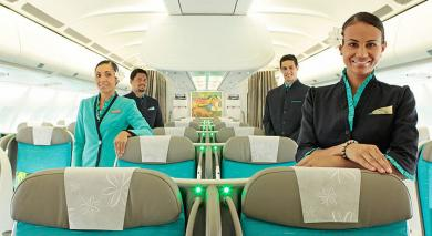 PNC dans cabine business d'Air Tahiti Nui