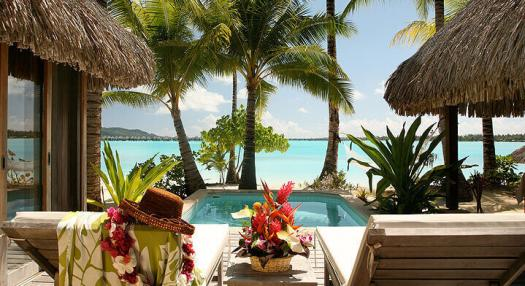 Beach bungallow with private swimming pool in front of the laggon of Bora Bora