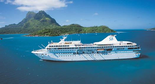 cruise boat in the sea of the islands of tahiti